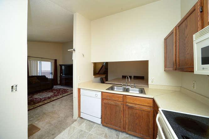 19023 E 16th Ave Aurora CO-small-010-7-Kitchen-666x443-72dpi.jpg