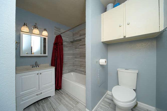 19023 E 16th Ave Aurora CO-small-013-16-Bathroom-666x443-72dpi.jpg