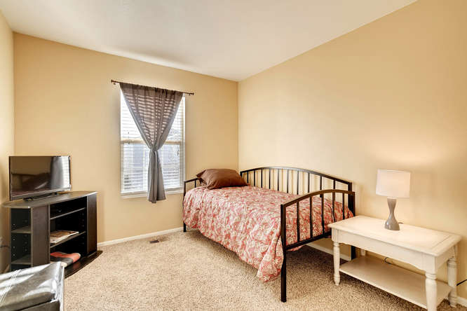 5215 E 100th Dr Thornton CO-small-019-20-2nd Floor Bedroom-666x444-72dpi.jpg