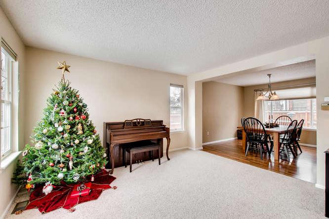 4201 Cottonwood Lakes Blvd-small-003-8-Living Room-666x444-72dpi.jpg