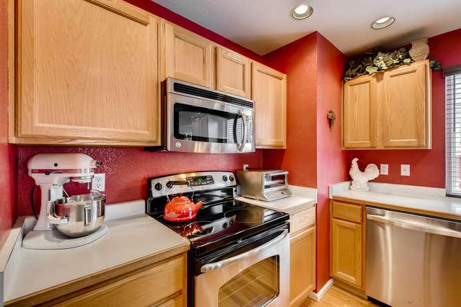 4201 Cottonwood Lakes Blvd-small-011-14-Kitchen-666x444-72dpi.jpg
