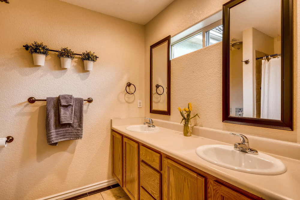 4411 Fillmore St Denver CO-large-013-16-Master Bathroom-1500x999-72dpi.jpg