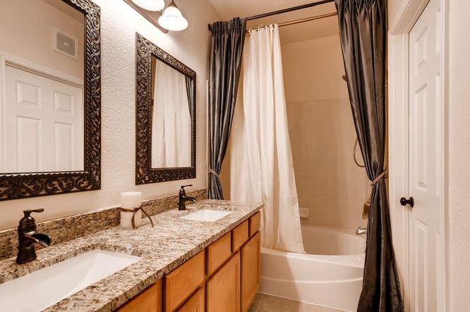 6723 S Winnipeg Cir Unit 102-small-018-21-Master Bathroom-666x444-72dpi.jpg