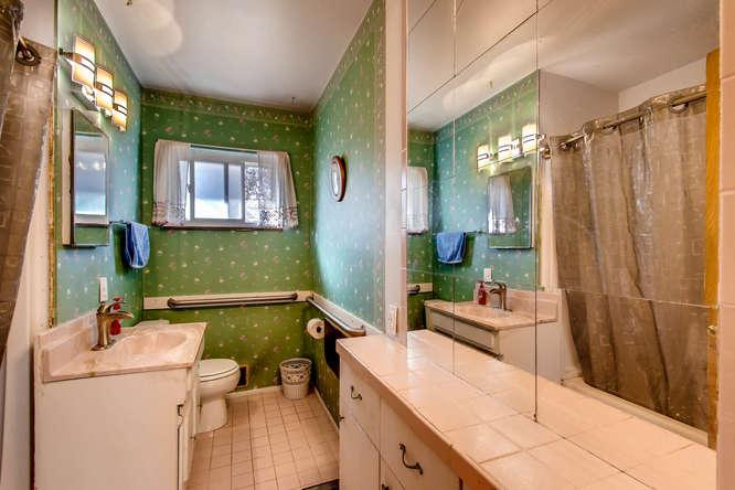 2977 S Wolff St Denver CO-small-019-9-Bathroom-666x444-72dpi.jpg