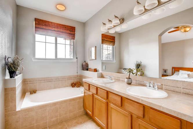 15296 W 66th Dr Unit F Arvada-small-019-21-2nd Floor Master Bathroom-666x444-72dpi.jpg