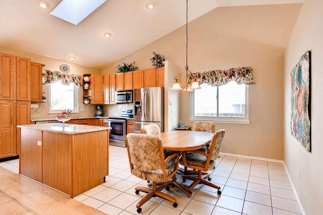 9011 W Lake Dr Littleton CO-small-010-7-Breakfast Area-666x444-72dpi.jpg