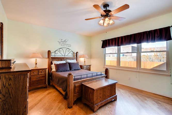 9011 W Lake Dr Littleton CO-small-013-21-Master Bedroom-666x444-72dpi.jpg