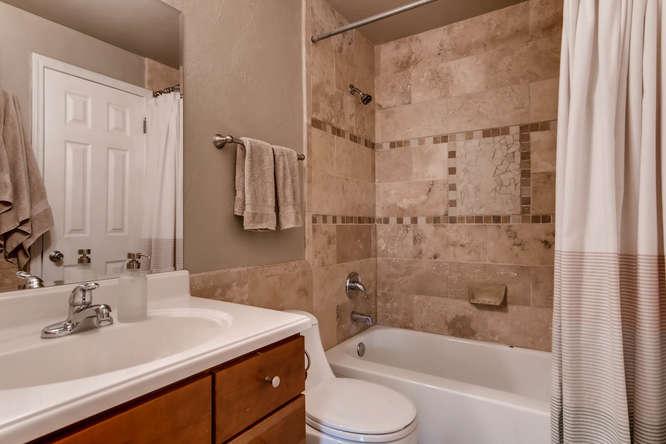 12979 W 20th Ave Golden CO-small-017-9-2nd Floor Master Bathroom-666x444-72dpi.jpg