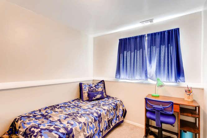 17184 E Tufts Ave Aurora CO-small-020-18-Lower Level Bedroom-666x444-72dpi.jpg