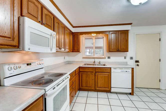 6740 W Jefferson Place-small-010-11-Kitchen-666x444-72dpi.jpg