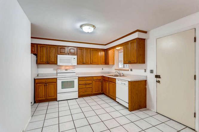 6740 W Jefferson Place-small-011-4-Kitchen-666x444-72dpi.jpg
