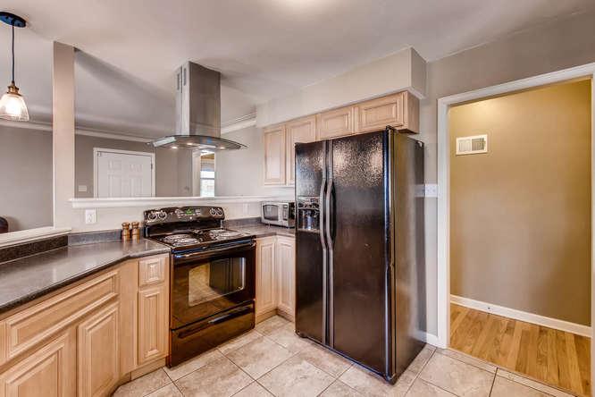 3071 Dexter St Denver CO 80207-small-011-11-Kitchen-666x444-72dpi.jpg