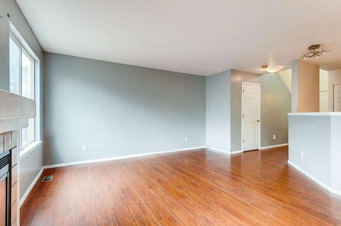 1273 S Zeno Way Unit C Aurora-small-007-4-Living Room-666x443-72dpi.jpg