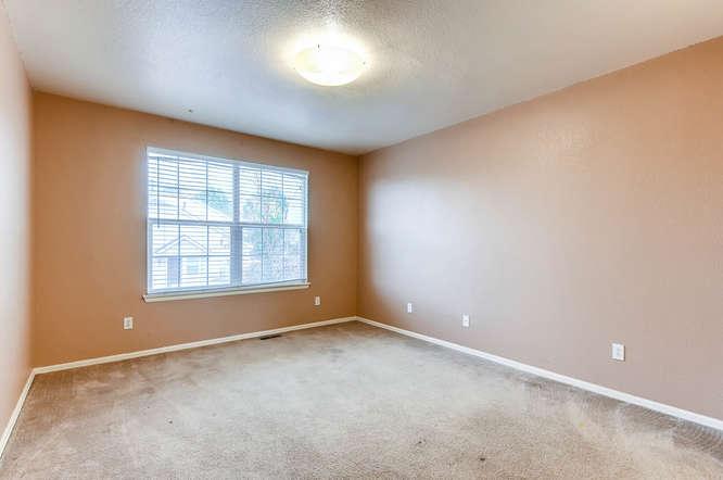1273 S Zeno Way Unit C Aurora-small-022-13-2nd Floor Bedroom-666x443-72dpi.jpg
