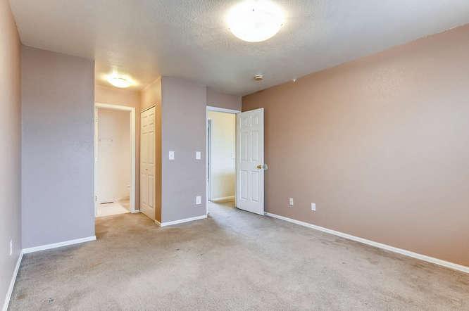 1273 S Zeno Way Unit C Aurora-small-024-24-2nd Floor Bedroom-666x443-72dpi.jpg