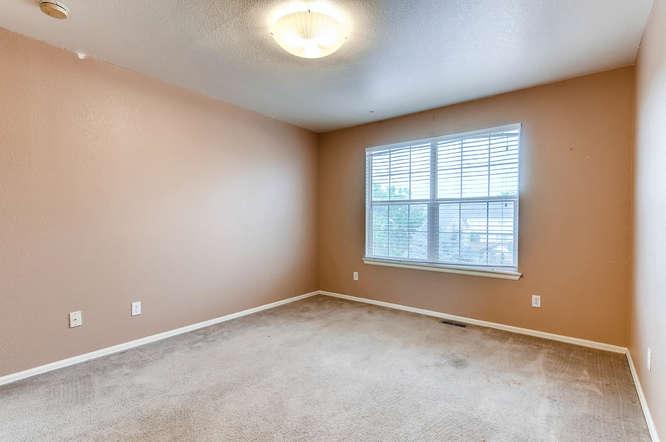 1273 S Zeno Way Unit C Aurora-small-025-21-2nd Floor Bedroom-666x443-72dpi.jpg