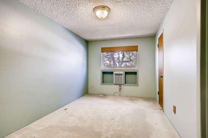12985 W 20th Ave Golden CO-small-014-30-2nd Floor Master Bedroom-666x444-72dpi.jpg