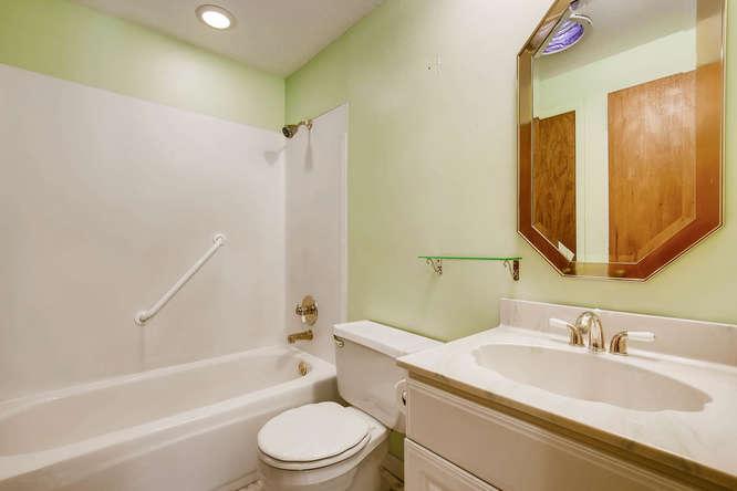 12985 W 20th Ave Golden CO-small-016-22-2nd Floor Master Bathroom-666x444-72dpi.jpg