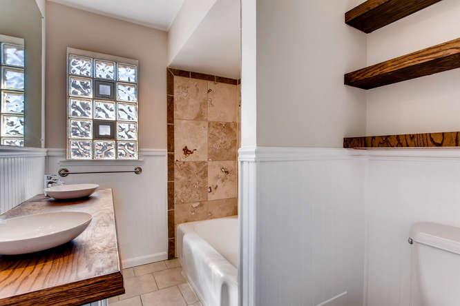 3291 S Cherokee St Englewood-small-017-20-Bathroom-666x444-72dpi.jpg