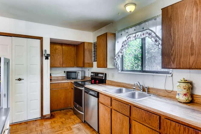 16349 E Radcliff Pl Unit B-small-006-2-Kitchen-666x444-72dpi.jpg
