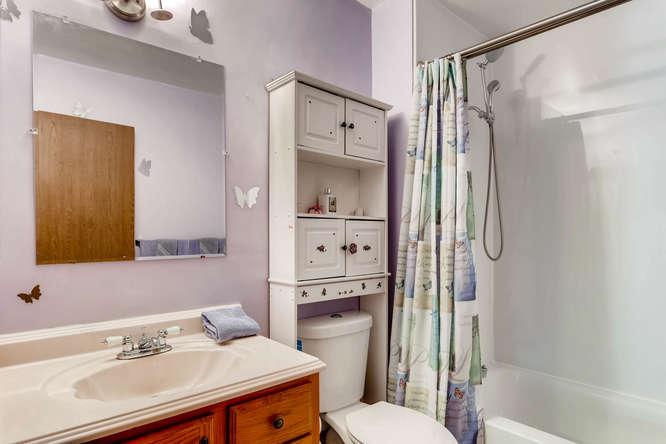 16349 E Radcliff Pl Unit B-small-010-4-2nd Floor Master Bathroom-666x444-72dpi.jpg