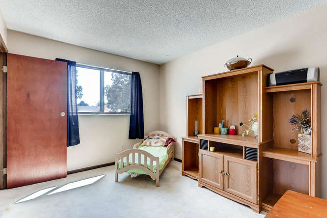 16349 E Radcliff Pl Unit B-small-011-13-2nd Floor Bedroom-666x444-72dpi.jpg