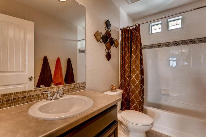 3122 Jonquil St Castle Rock CO-small-019-27-2nd Floor Bathroom-666x444-72dpi.jpg