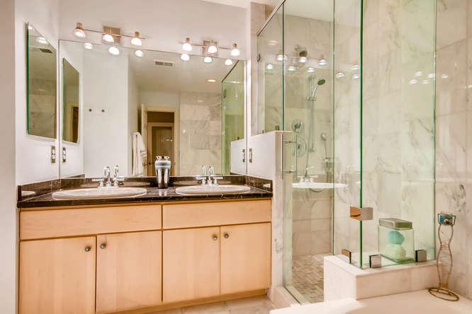 20 S Monroe St Denver CO 80209-small-025-62-2nd Floor Master Bathroom-666x444-72dpi.jpg
