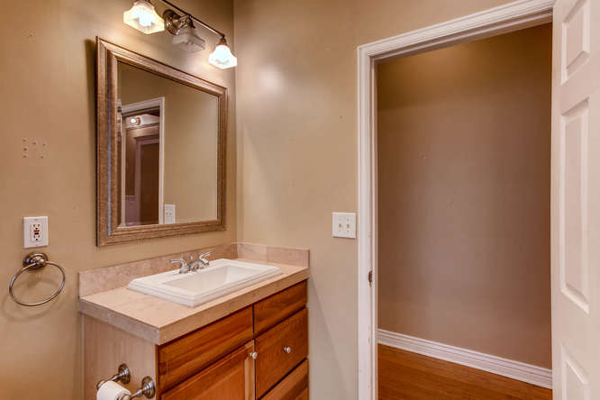 1450 High St 2 Denver CO 80218-small-022-4-Bathroom-666x444-72dpi.jpg