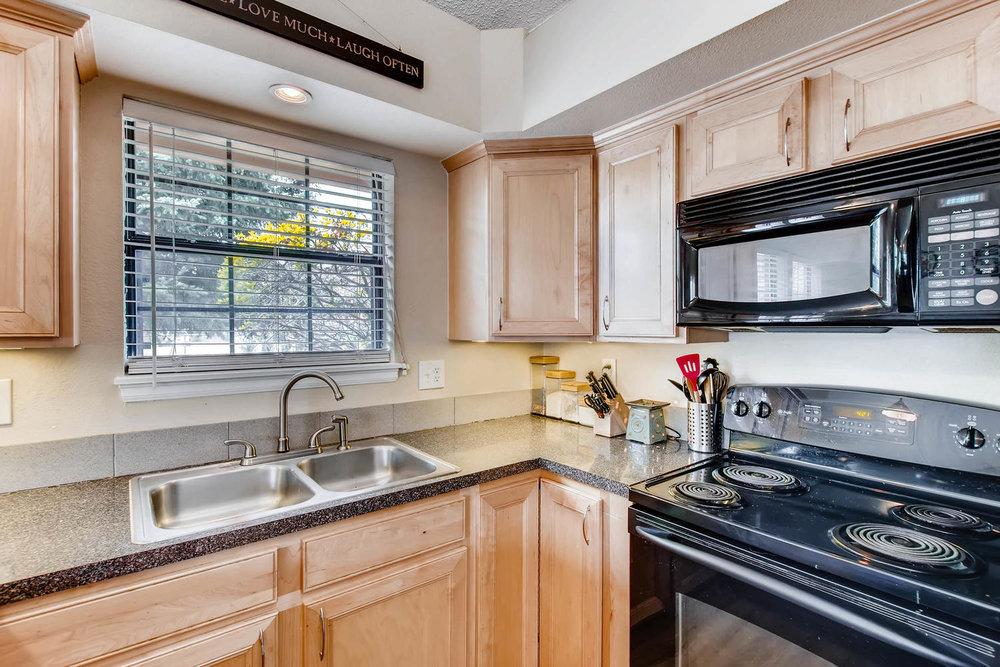 3300 W Florida Ave Unit 27-large-012-13-Kitchen-1500x1000-72dpi.jpg