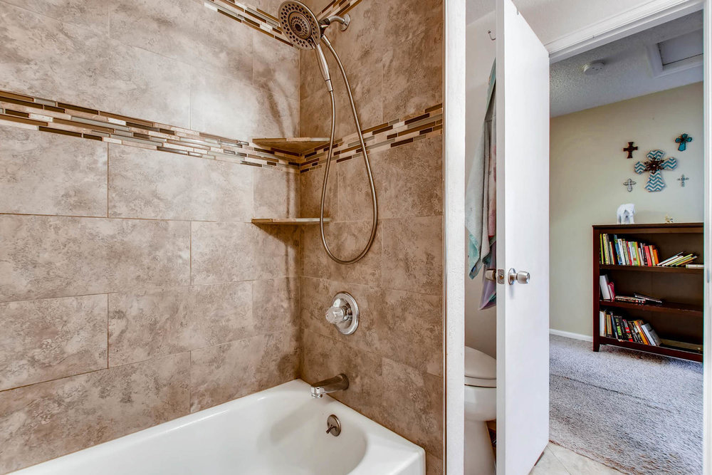 3300 W Florida Ave Unit 27-large-020-27-2nd Floor Master Bathroom-1500x1000-72dpi.jpg