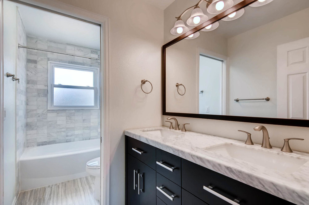 2399 Granby Way Aurora CO-large-023-26-Bathroom-1500x997-72dpi.jpg