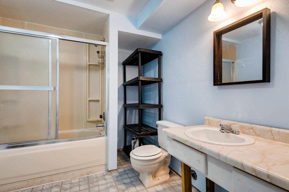 2399 Granby Way Aurora CO-large-024-13-Lower Level Bathroom-1500x997-72dpi.jpg