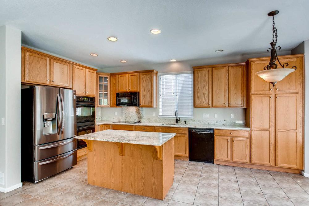 24768 E Florida Ave Aurora CO-large-006-8-Kitchen-1500x1000-72dpi.jpg