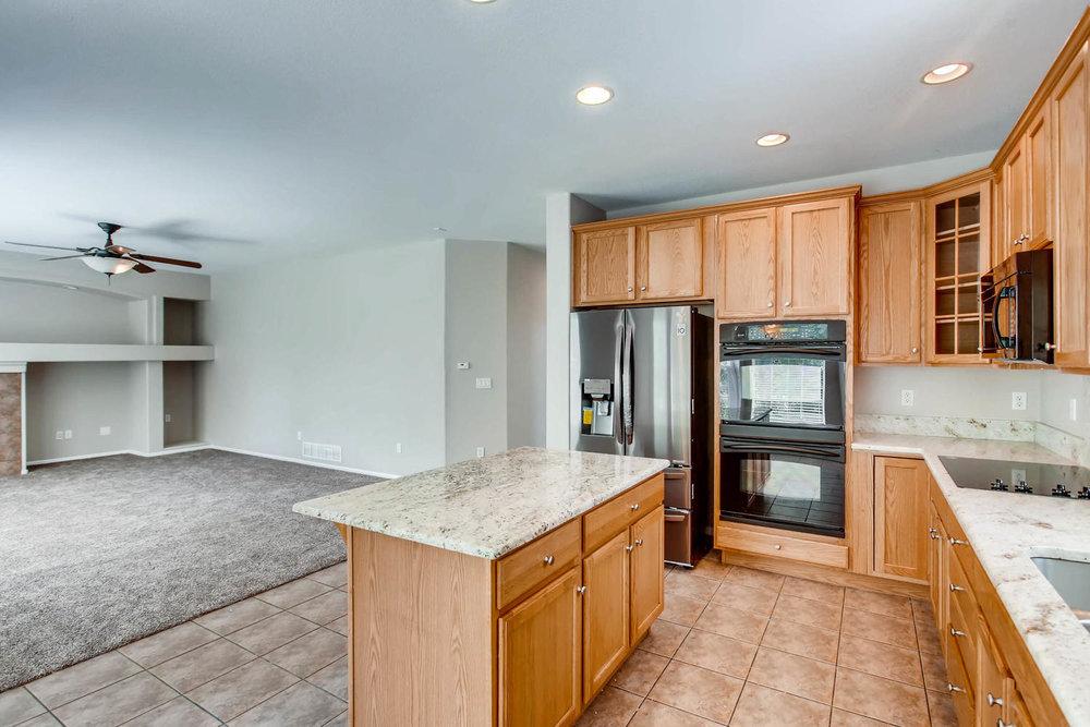 24768 E Florida Ave Aurora CO-large-009-9-Kitchen-1500x1000-72dpi.jpg