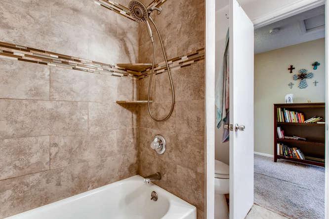 3300 W Florida Ave Unit 27-small-020-27-2nd Floor Master Bathroom-666x444-72dpi.jpg