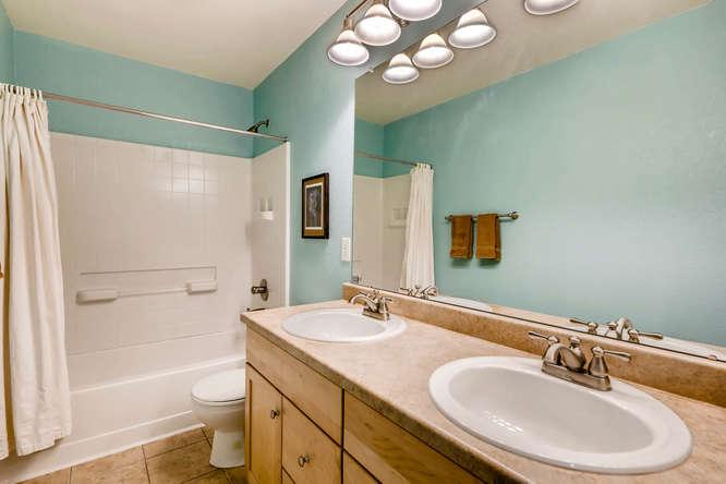 2261 Verbena St Denver CO-small-025-17-2nd Floor Bathroom-666x444-72dpi.jpg