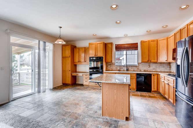 24646 E Florida Ave Aurora CO-small-009-39-Kitchen-666x444-72dpi.jpg