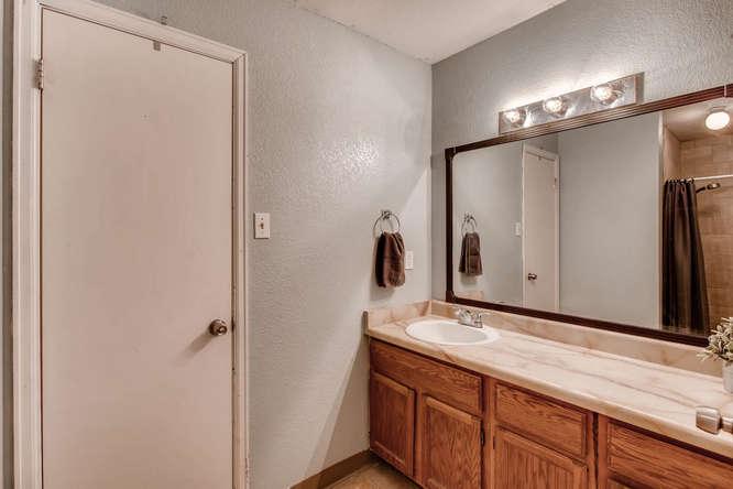 6992 S Bryant St Littleton CO-small-023-10-Lower Level Bathroom-666x444-72dpi.jpg