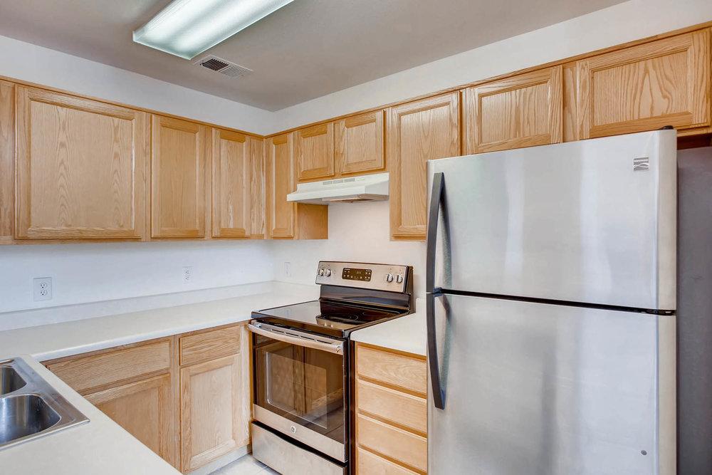 8377 S Upham Way Unit 212-large-008-10-Kitchen-1500x1000-72dpi.jpg