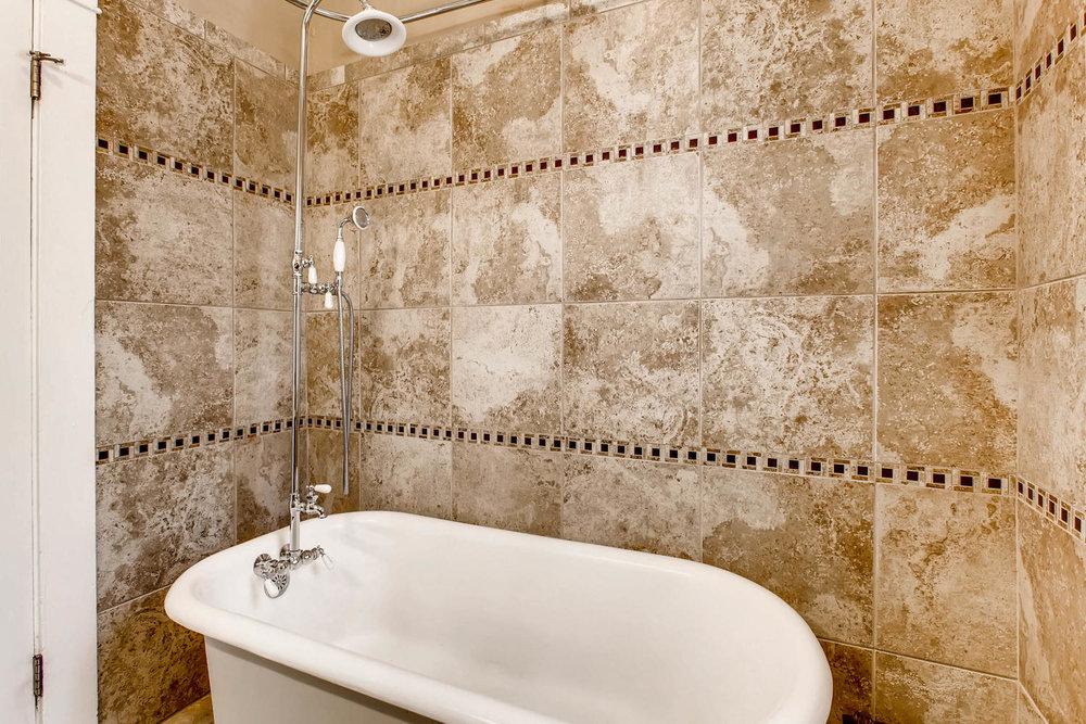 3520 N Columbine St Denver CO-large-018-29-Master Bathroom-1500x1000-72dpi.jpg