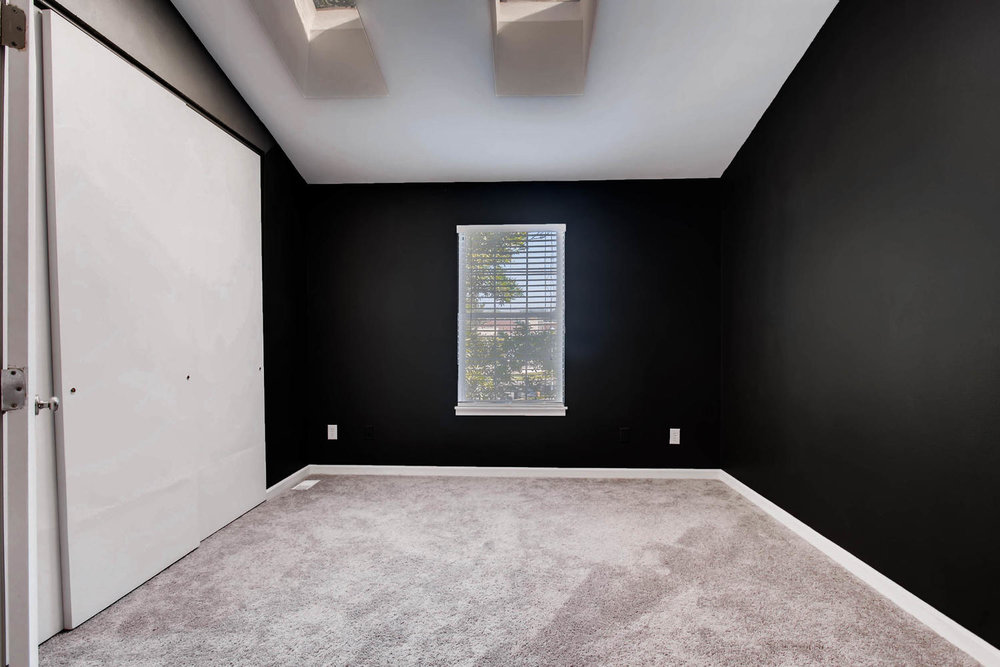1811 S Quebec Way Unit 224-large-007-8-2nd Floor Master Bedroom-1500x1000-72dpi.jpg