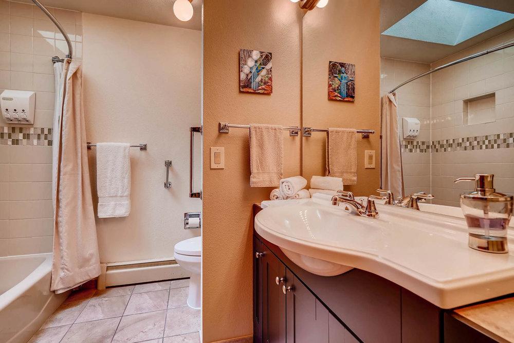 15214 W 73rd Ave Arvada CO-large-018-16-Bathroom-1500x1000-72dpi.jpg