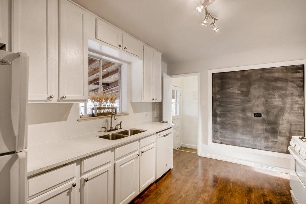 3625 Ivy Street Denver CO-large-009-23-Kitchen-1500x1000-72dpi.jpg