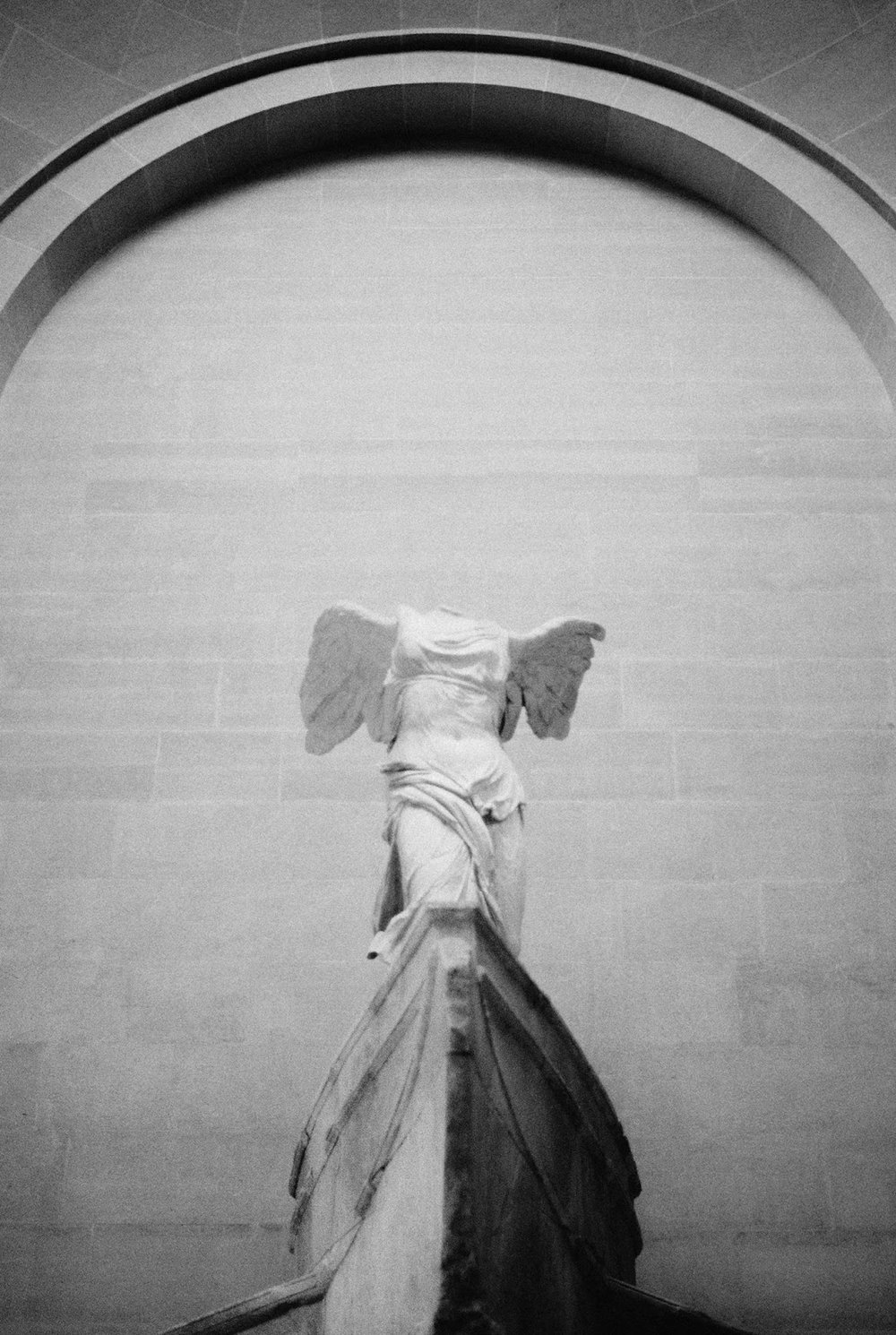 louvre winged victory