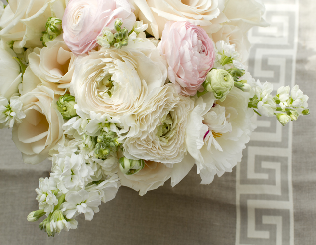 white bouquet_IMG_2324.jpg