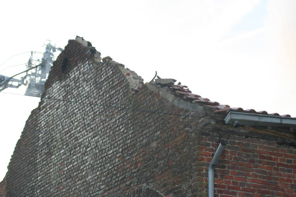 hof-ten-dormaal-burnt-eaves.jpg