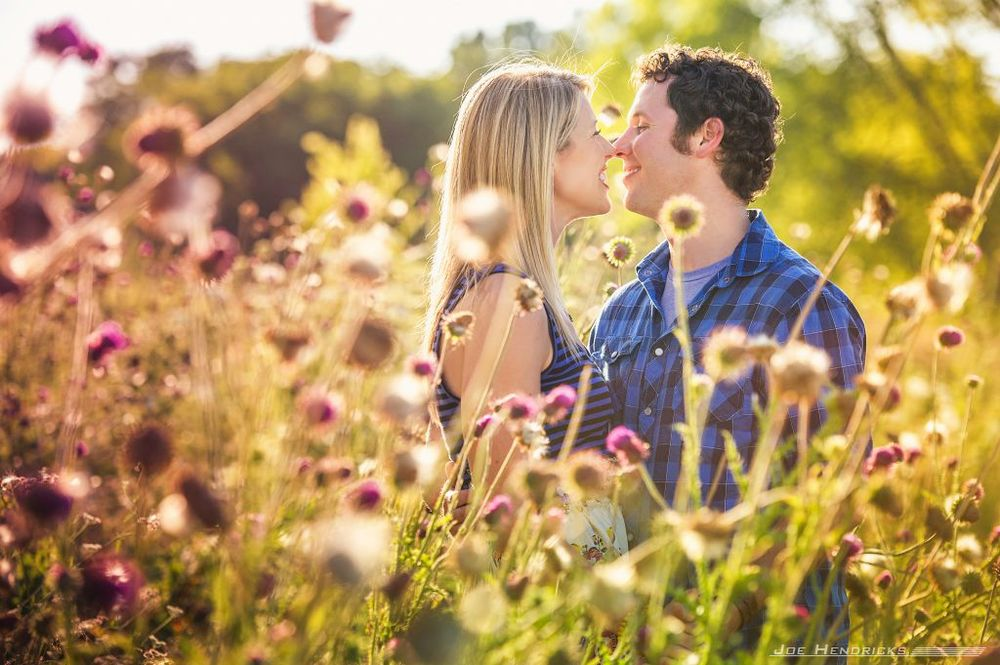 kissing in the middle of flowers
