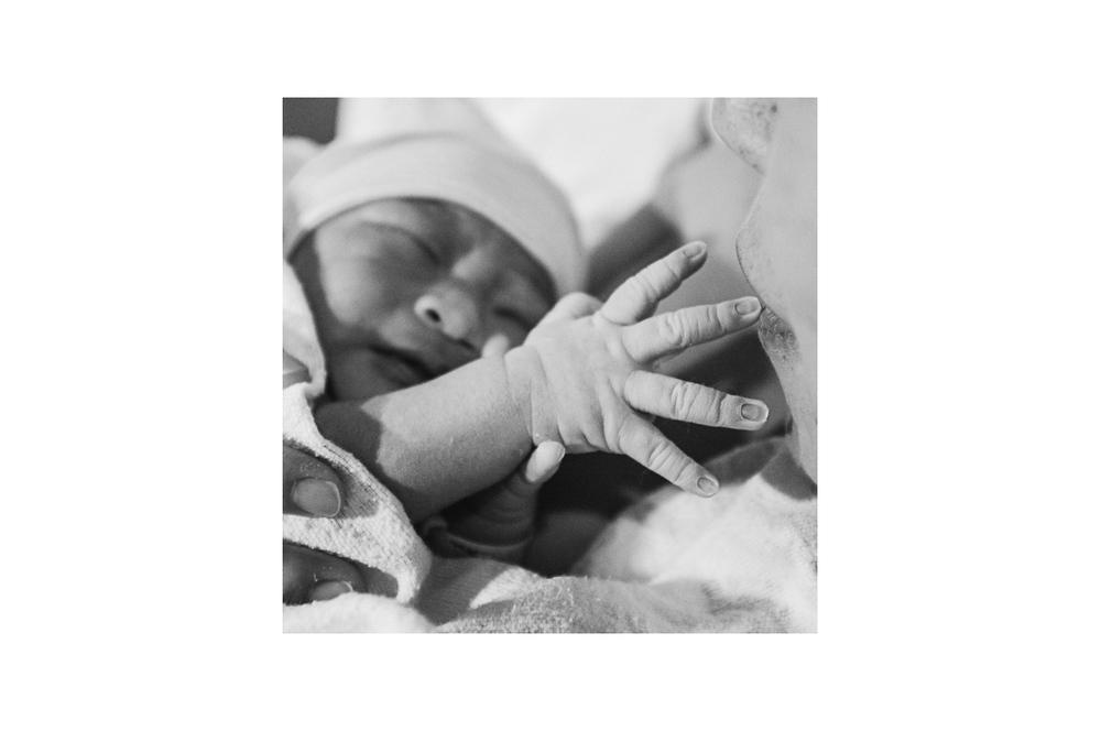 J's Birth Story Borders-02.jpg