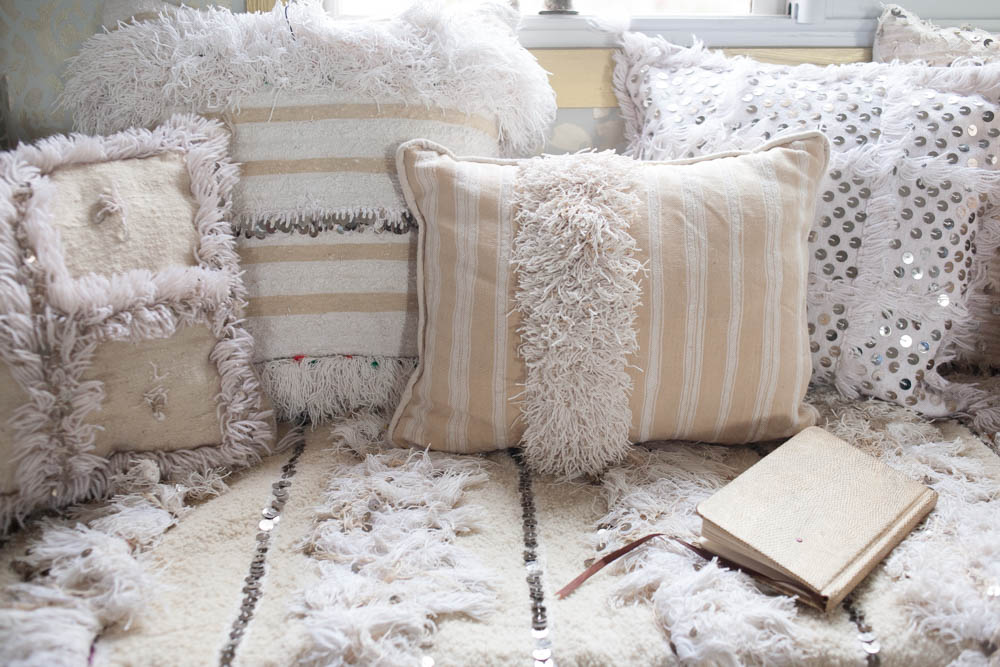 #TribalChic home decor by M.Montague- Moroccan wedding blankets and cushions for a beautiful white bedroom